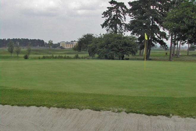 Golfpálya, Göd
